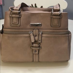 Rosetti bag tan with several compartments
